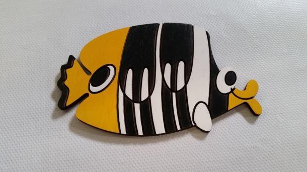 Dekorace dřevěná Ryba s pruhy 165