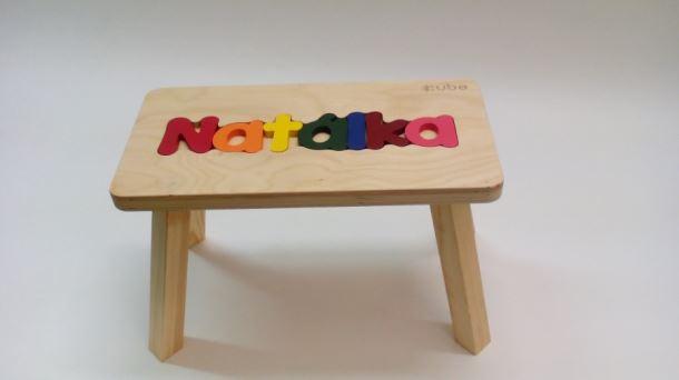 Dřevěná stolička CUBS se JMÉNEM NATÁLKA barevná