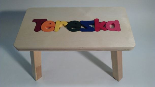 Dřevěná stolička CUBS se JMÉNEM TEREZKA barevná