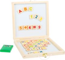 Kufřík s magnetickou a černou tabulí s čísly a písmenky