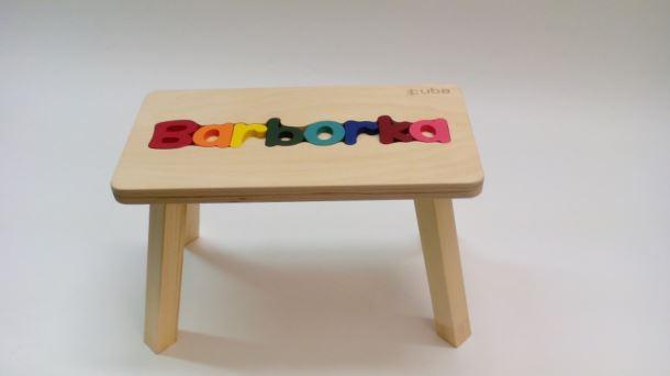 Dřevěná stolička CUBS se JMÉNEM BARBORKA barevná