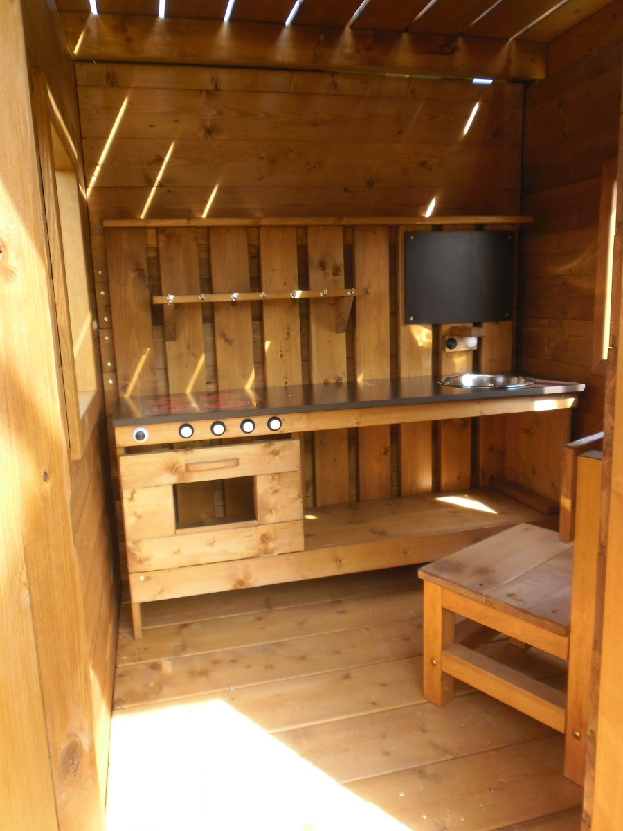Dětská dřevěná kuchyňka Anička