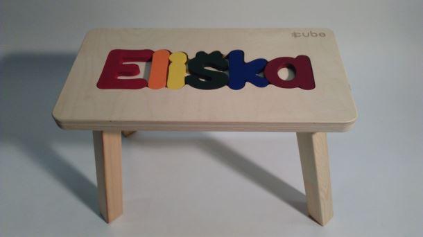Dřevěná stolička CUBS se JMÉNEM ELIŠKA barevná